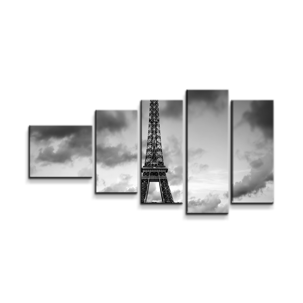 Eiffelova věž a červené auto