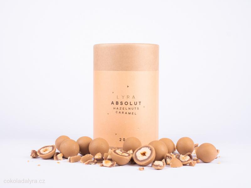 Pražené lískové ořechy v nugátu a slaném karamelu