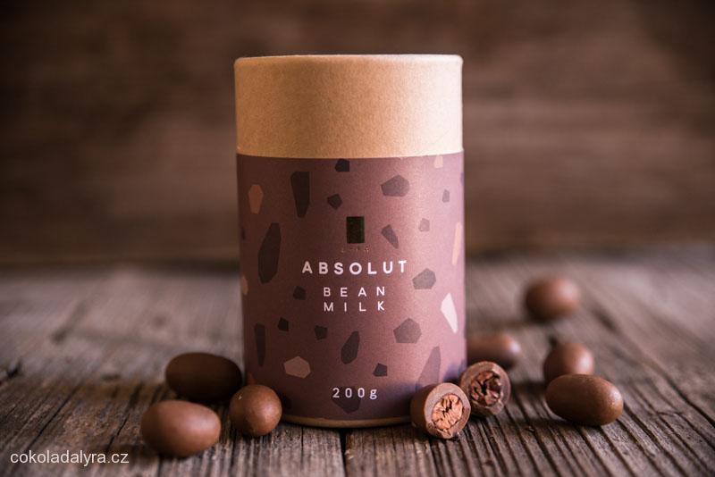 Pražené kakaové boby v mléčné čokoládě