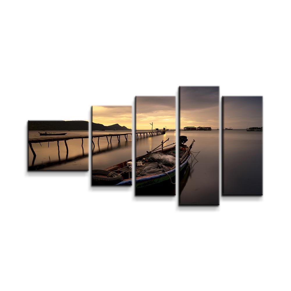 Loďka na jezeře 2