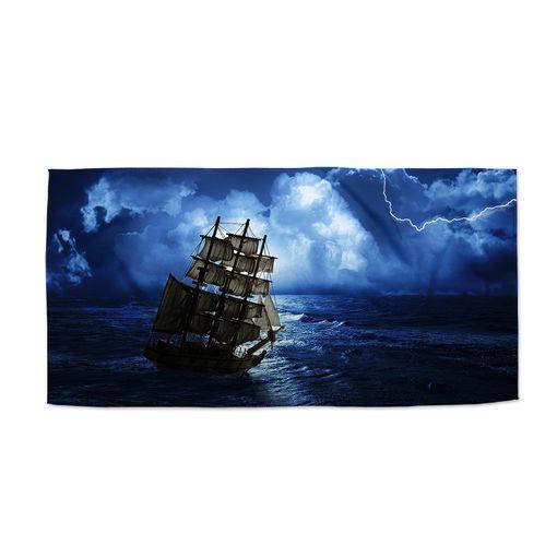 Loď v bouřce