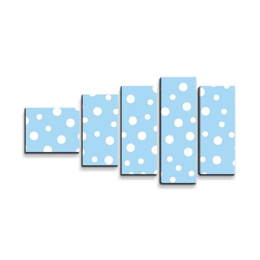 Bílé puntíky na modré