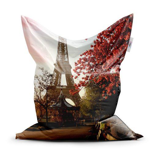 Eiffelova věž a červený strom