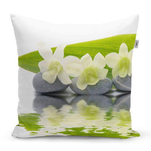 Bílá orchidej