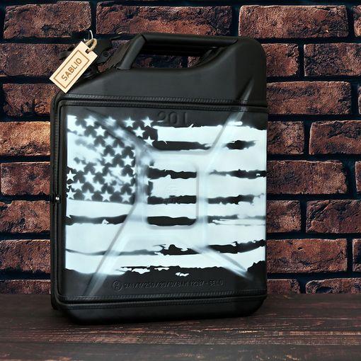 prázdný Černý s americkou vlajkou