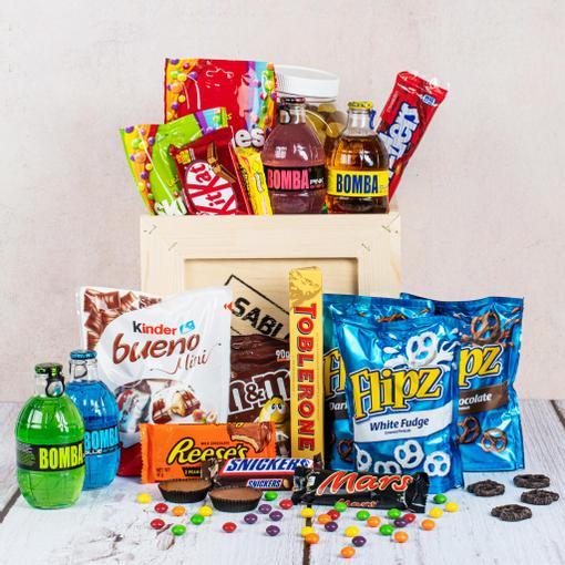 Dárková bedna plná sladkostí